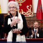 Ida Vitale: La poeta humilde con voz poderosa (videos)