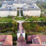 El nuevo campus de Huawei: Fastuoso lujo europeo al servicio de la innovación (video)