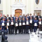 Reforma política: Plantean ampliar mandato de gobernadores y alcaldes a cinco años