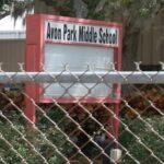 Detienen a dos niñas en EEUU señaladas de planear asesinar a 10 compañeros