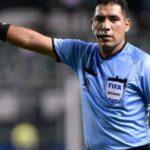 Diego Haro pide disculpas a Yordy Vílchez por cobrarle un penal que no fue tal