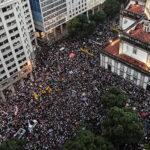 Miles rechazan recortes en educación en mayor protesta contra Bolsonaro (Fotos)