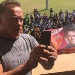 """Arnold Schwarzenegger """" Terminator """" fue atacado por la espalda en evento de Sudáfrica (VIDEO)"""