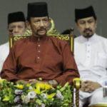 Sultán de Brunéi retrocede en su decisión de lapidar a homosexuales y adúlteros (VIDEO)