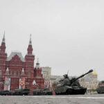 Rusia exhibe tanques y misiles en la Plaza Roja por 74 aniversario del fin de II Guerra Mundial (VIDEO)