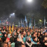 Cristina Fernández: Miles de adeptos inundan calles en presentación de su libro