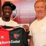 Luis Advíncula podría volver a Newell's Old Boys después de tres años