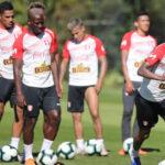 Selección peruana: Carlos Zambrano y Raúl Ruidíaz no reciben el alta médica