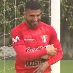 Jopsemir Ballón entrenó con la bicolor y fue incluido para viajar mañana a Brasil