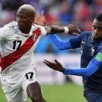 Luis Advíncula podría seguir en el fútbol europeo asegura el presidente del Tigres