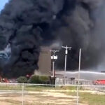 Diez muertos al estrellarse un avión en Texas (Video)