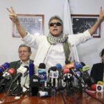 Exlíder de las FARC Jesús Santrich toma posesión como congresista en Colombia