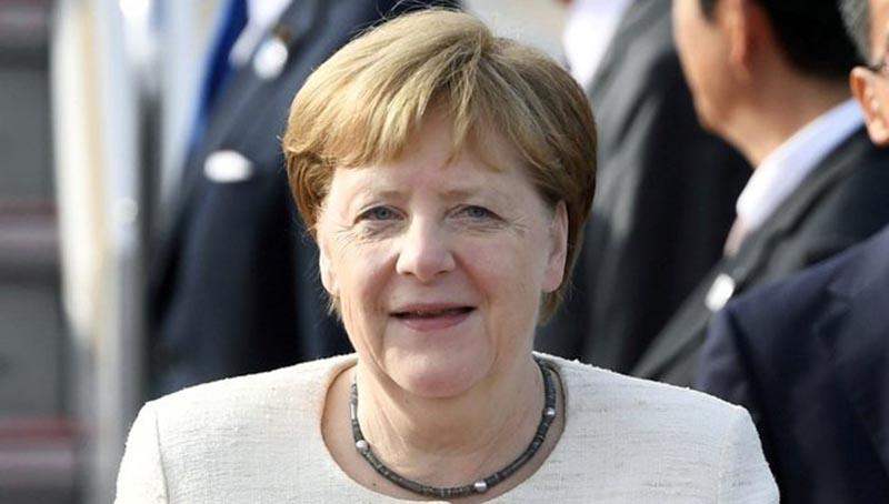 Merkel habla por primera vez de sus temblores