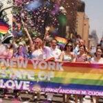 Estado de Nueva York iza la bandera multicolor LGBTI en la sede del Gobierno