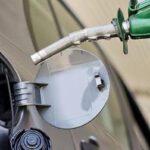 Petroleras bajan precios de combustibles entre 1.4 y 2.4% por galón