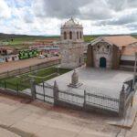 Restauran templo colonial San Andrés de Atuncolla de Puno