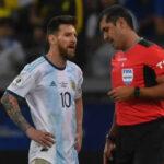 Argentina reclama a Conmebol que la albiceleste fue perjudicada por el árbitro