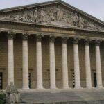 Francia obligará por ley a retirar de internet contenidos de odio en 24 horas