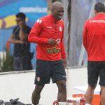 El Rayo Vallecano ficha a Advíncula aunque no jugará en Segunda