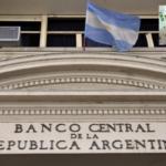 Argentina: Banco Central baja al 58% la tasa de interés de referencia