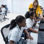CAF coloca emisión por 140 millones de dólares para financiar educación