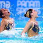 Lima 2019: Dupla peruana de natación artística elaboran su ropa de baño