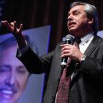 Argentina: Alberto Fernández busca el voto en primarias de jóvenes y del sector cultural
