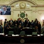 Puerto Rico: Sale gobernador Roselló y entra Pierlusipero sigue mar de dudas