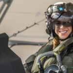 EEUU: Anneliese Sat la primera mujer en pilotar un avión de combate F-35