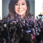 Fernández arrasa en primarias en Argentina, con el 80,35 % del escrutinio