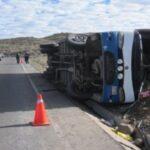 Volcadura de bus interprovincial deja más de diez heridos en Pasamayo
