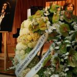 Más de un millar de personas dan su último adiós a Camilo Sesto
