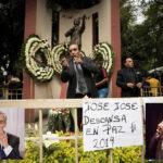 José José: El mundo artístico llora la partida del cantautor mexicano