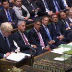 """Johnson convocará elecciones si el Parlamento veta un """"brexit"""" duro"""