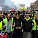 """Incidentes en manifestaciones de """"chalecos amarillos"""" en Montpellier y París"""