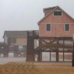 Huracán Dorian toca tierra en Carolina del Norte ahora de categoría 1