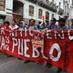 """Gobierno de Ecuador dice que está frenando la """"pretensión de desestabilizar"""""""