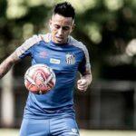 Christian Cueva fue impedido de practicar con el equipo principal del Santos