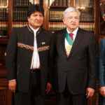 México ofrece asilo a Evo Morales y políticos van a embajada