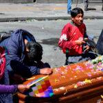 Bolivia: Gobierno de facto ataca con gases marcha con féretros de fallecidos (Fotos)