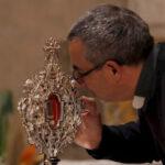 Vuelve a Tierra Santa una reliquia de la cuna de Jesús donada por el Vaticano