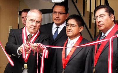 Villa Stein, Félix Moreno y César Hinostroza