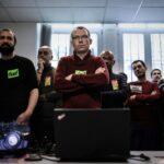 Francia: Sindicatos llaman a intensificar huelga tras propuesta del gobierno sobre pensiones