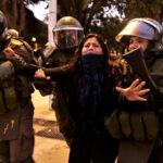 Policía chilena reprime protesta pacífica contra festival de Viña del Mar (Videos)
