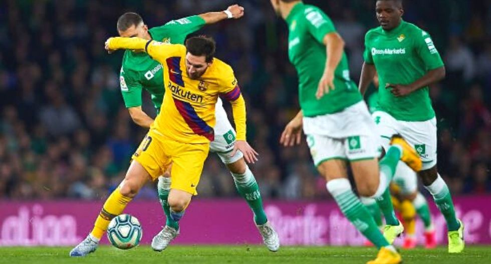 Arturo Vidal jugó en tranquilizador triunfo de Barcelona ante Betis
