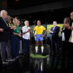 Brasil inicia festejos por Mundial de México 70 con una nueva estatua de Pelé