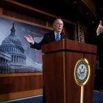 """EEUU: Senado absuelve a Donal Trump en el """"impeachment"""" por 53 votos contra 47"""