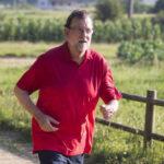 España: Expresidente Mariano Rajoy grabado en TV incumpliendo la cuarentena