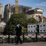 COVID-19: Francia suma 14.393 muertes, 561 más que el día anterior