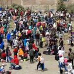 Carretera Central: Cientos intentaron llegar a pie hasta lugares de origen (VIDEO)